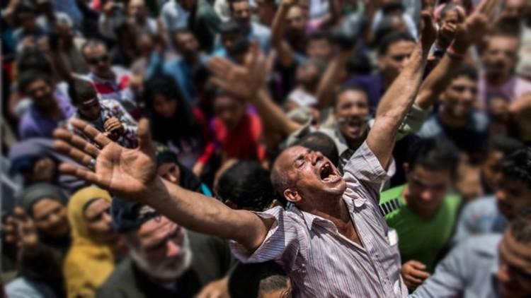 مصر تُخرس الإعلام وتفشل في إخراس المصريين